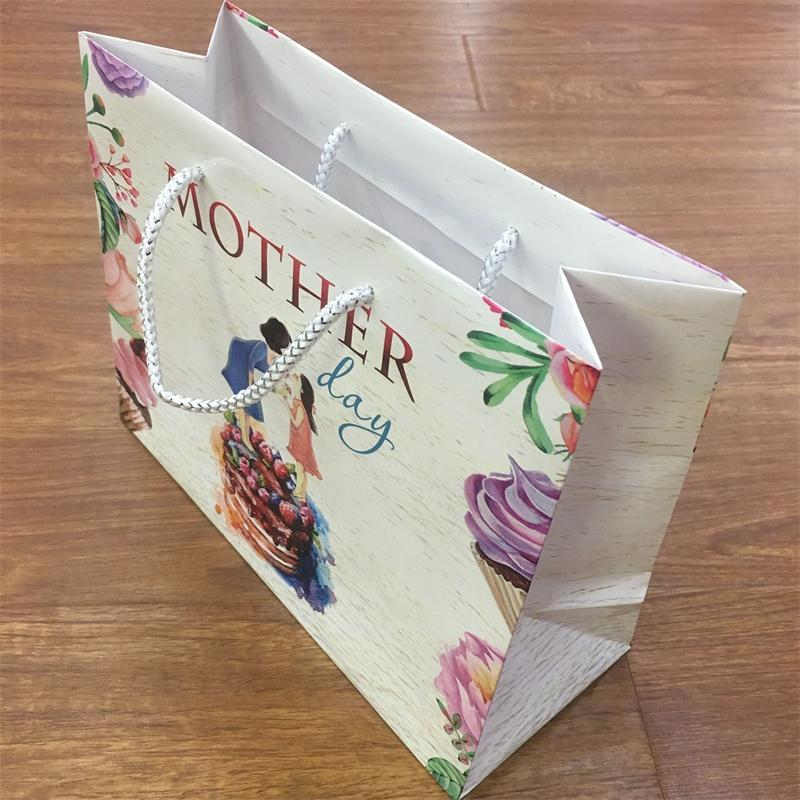 Custome Printed Holiday Gift Paper bags
