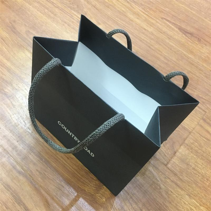 Factory Wholesale New Design Clothes Shopping Paper Bag Custom Print Paper Handle