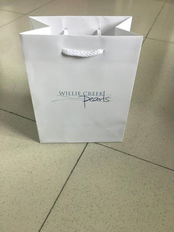 Custom white gift bags white with handles supplier