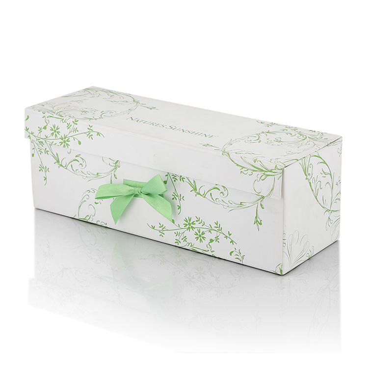 Pretty gift box packing the bottle in wholesale